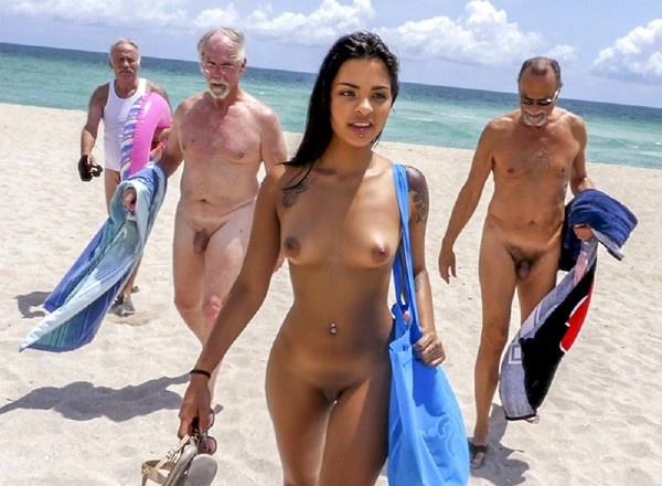 Nikki Kay -  Hot Teen On Nude Beach And Many Nude Old Man