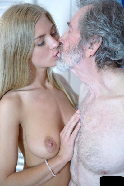Lolly Gartner -  Sex With Old Man In Showher